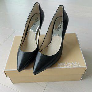 Michael Kors Leather Mid-Heel Black Pumps